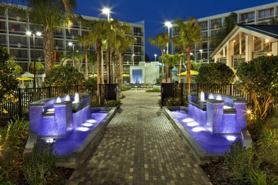Sheraton Lake Buena Vista Resort: 27 Palms Courtyard - Entrance