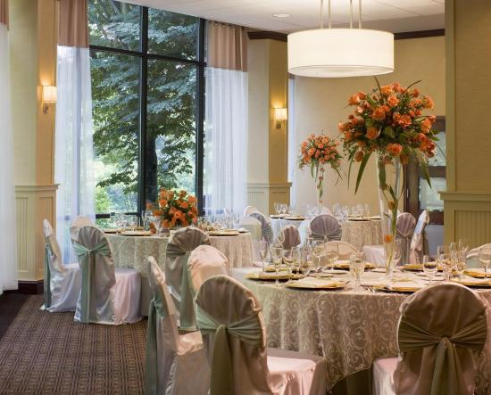Sheraton Columbia Town Center Hotel: Wedding Setup