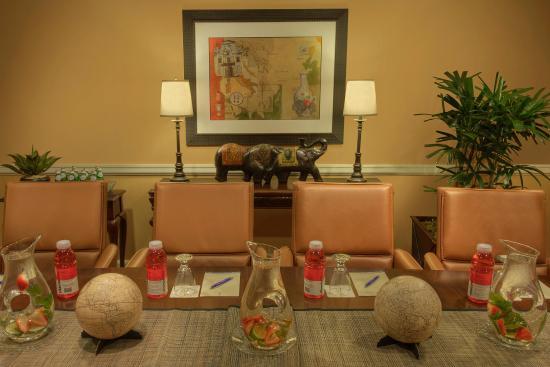 Serrano Hotel: Curran Boardroom