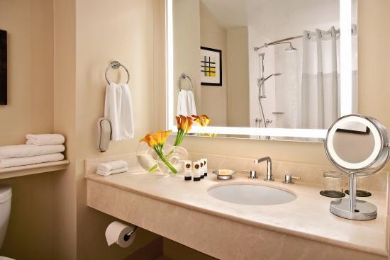 Sofitel San Francisco Bay: Huber Bath