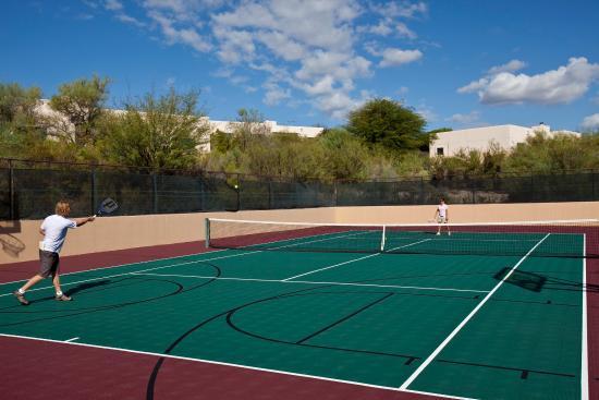Starr Pass Golf Suites: Tennis Court