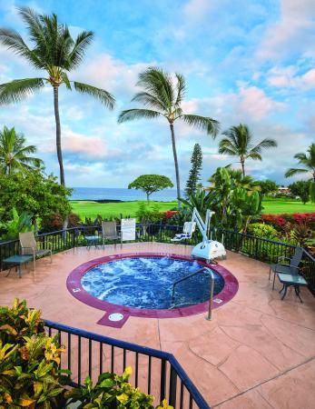 Kona Coast Resort: Outdoor Hot Tub