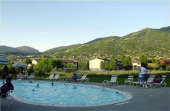 Holiday Inn Steamboat Springs: Pool View