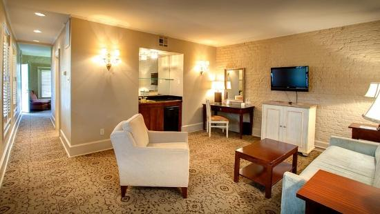 Dauphine Orleans Hotel 216 2 4 4 2018 Prices Reviews Photos New Orleans La