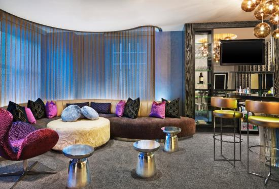 W Chicago - City Center: The Extreme WOWSuite