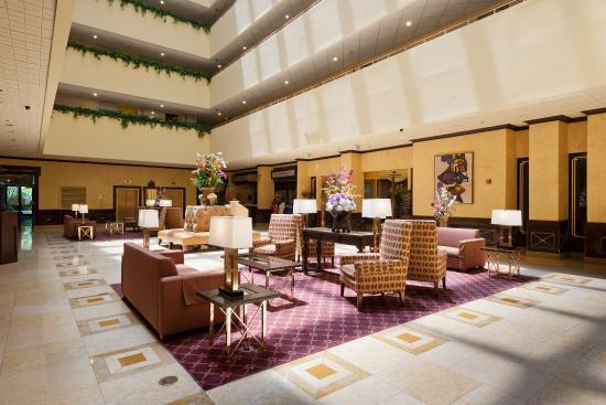 Radisson Hotel Newport Beach: Lobby