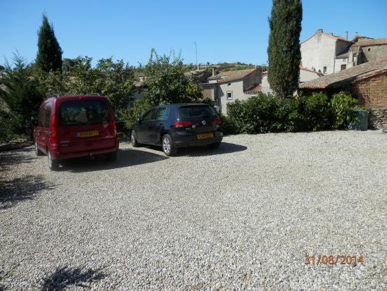 Parking picture of maison de laura carcassonne tripadvisor - Amenagement parking maison ...