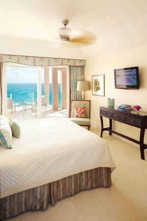 The Reefs: Club Bedroom