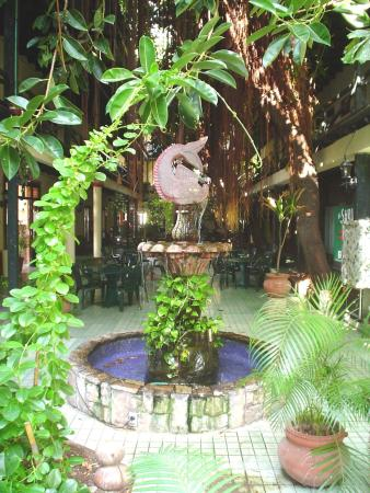 Hotel la Siesta: Interior Font La Siesta
