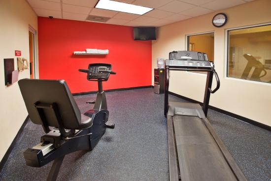 Country Inn & Suites By Carlson, Helen: CountryInn&Suites Helen  FitnessRoom