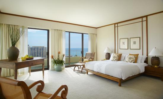 Lotus Honolulu at Diamond Head: Lotus Honolulu Penthouse Master Bedroom