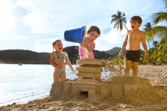 Carlisle Bay Antigua: Children on the Beach