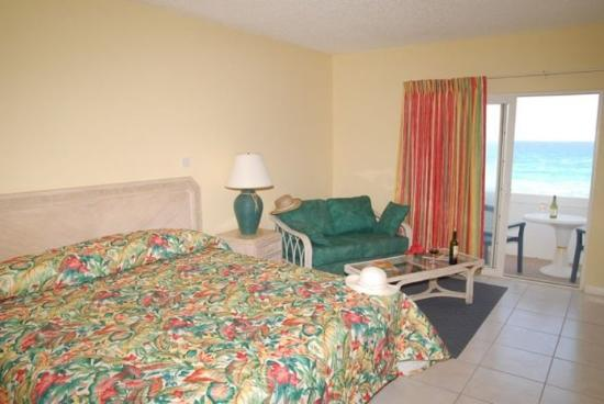 Sugar Bay Club: King Bedroom - Oceanfront rooms