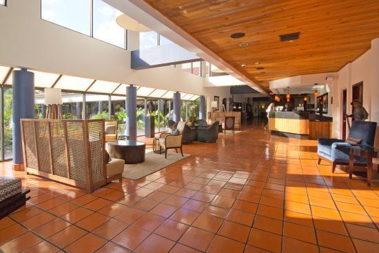 Shula's Hotel & Golf Club: Hotel Lobby