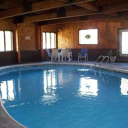 Adirondack lodge old forge updated 2017 motel reviews for Cabin hotel new york