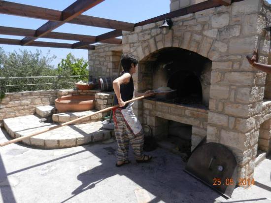 Dalabelos Estate: break making in the stone oven