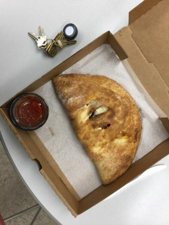 Pizza Pub: Great calzone.