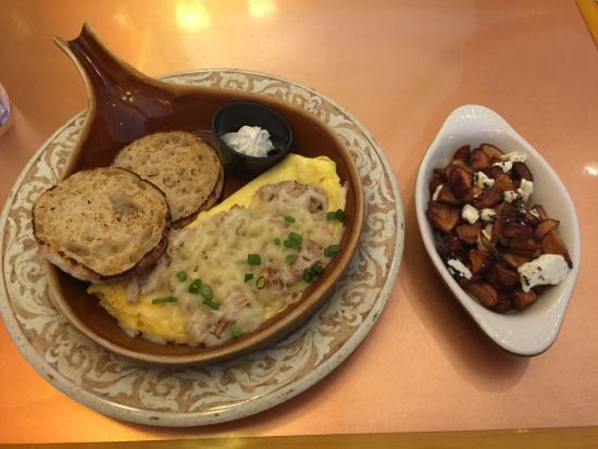 Another Broken Egg: The Floridian omelette... My favorite!!!! With a side of Mediterranean potatoes.