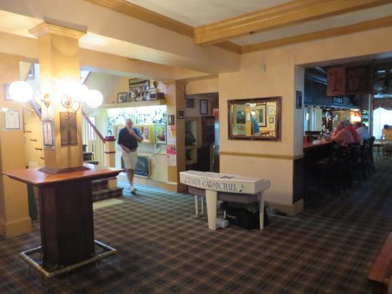 The Pine Crest Inn: The Lobby
