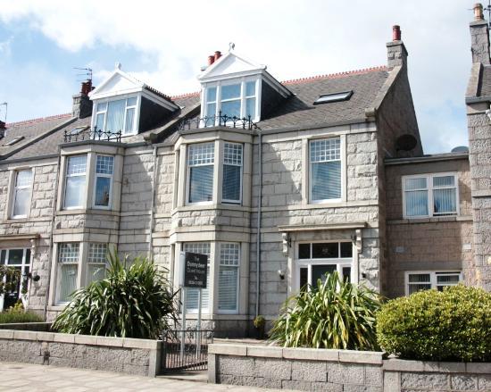 Dunnydeer Guest House