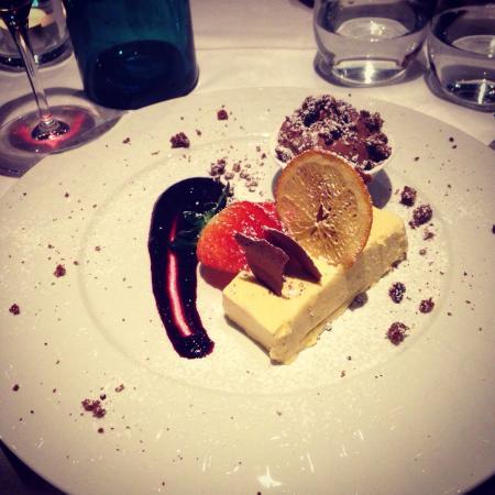 +39 Italian Gourmet & Enoteca: Passion fruit+choco ice-dream