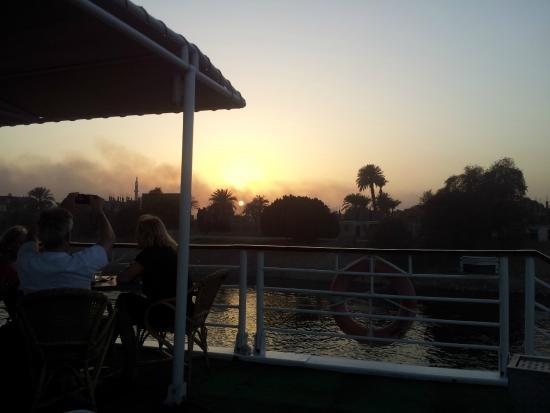 Amarante Osiris: Sonnenuntergang auf dem Deck