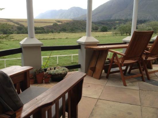 Arumvale Country House: stoep