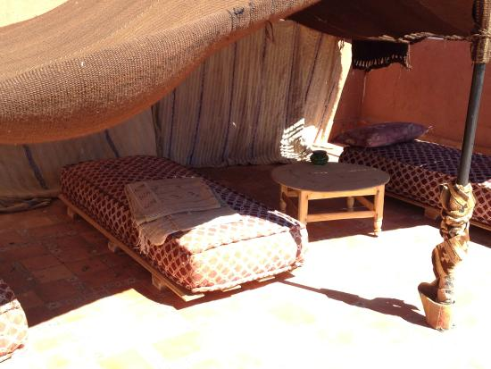 Dar Al Aafia: Terrazza, con hammam e sala massaggi
