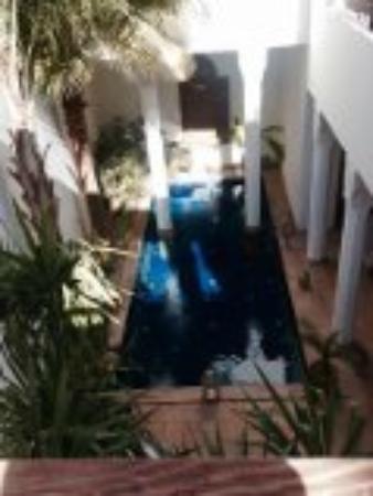 Bellamane, Ryad & Spa: Blick von privat Terasse auf den Pool
