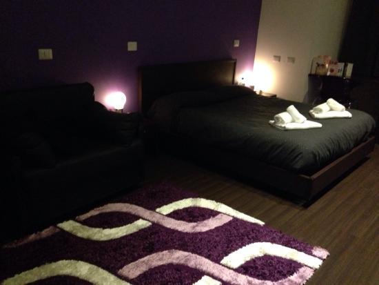 Chroma Pente: Purple room!