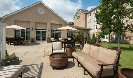Homewood Suites by Hilton Montgomery: Outdoor Patio
