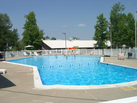pool area picture of chesapeake bay rv resort. Black Bedroom Furniture Sets. Home Design Ideas
