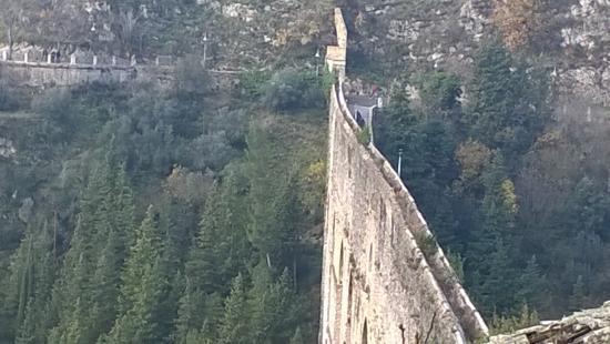 Spoleto, Italien: ponte delle torri