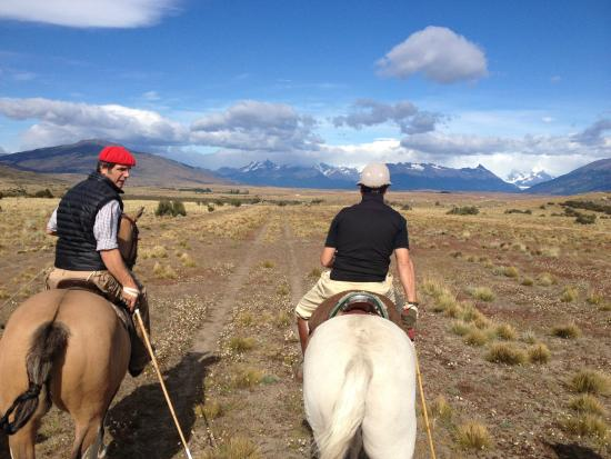 Hosteria Alta Vista: Off on a cabalagata with Federico across the Patagonian steppe