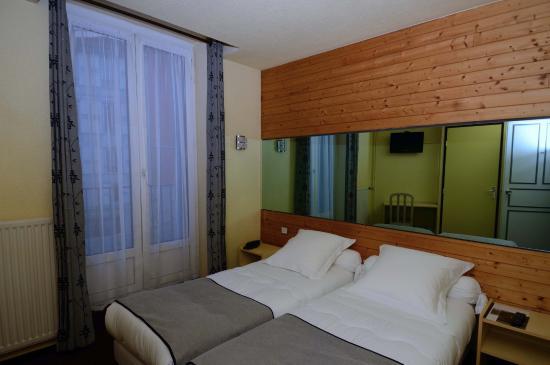 dyke hotel le puy en velay france voir les tarifs 48. Black Bedroom Furniture Sets. Home Design Ideas