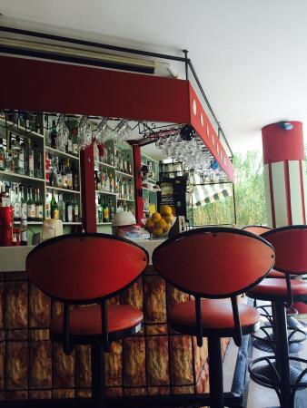 Superb The Bar At Ali Baba Hotel Xx Lovely Xx Bild Von Ali Baba Theyellowbook Wood Chair Design Ideas Theyellowbookinfo