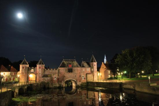 City Gates : Koppelpoort at night