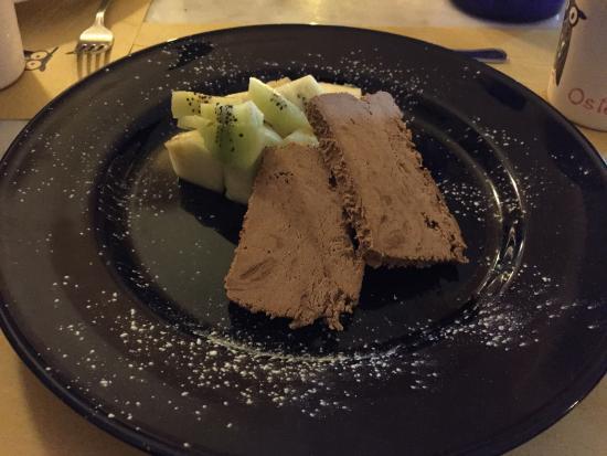Osteria Il Gufo: 奇異果 菠蘿配上凍過的巧克力(不是雪糕)