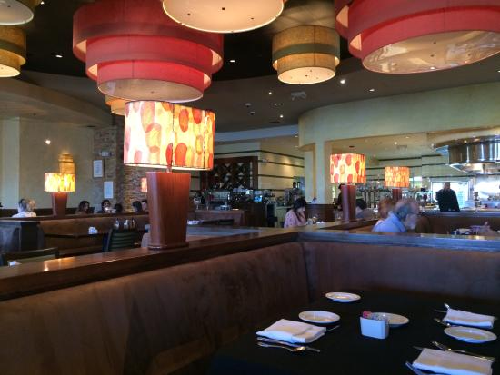 Citrus City Grille: The dining area