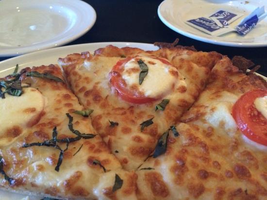 Citrus City Grille : margherita pizza