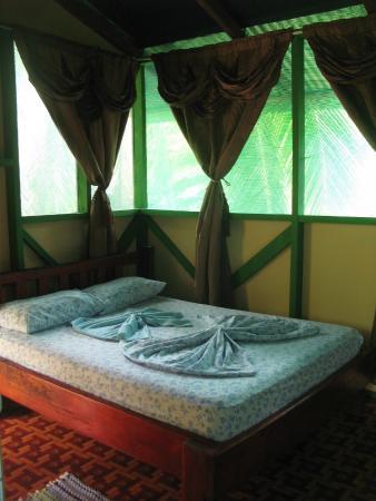 Poor Man's Paradise: la habitación