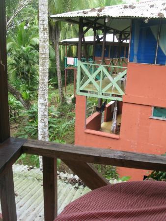 Poor Man's Paradise: las cabañas