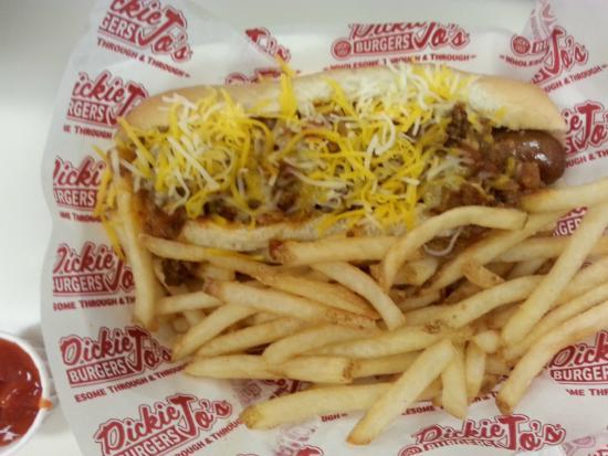 Dickie Jo's: Chili Cheese Dog