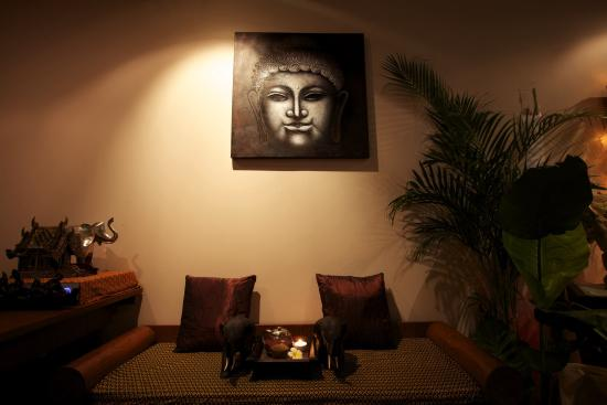 Chang Sabai Thai Massage & Spa: Greating and tea area