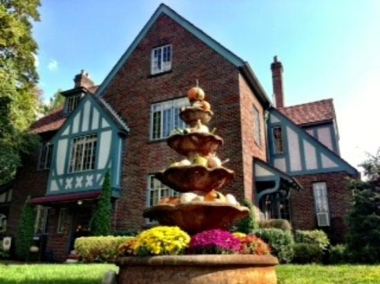 Bed And Breakfast Mount Airy North Carolina