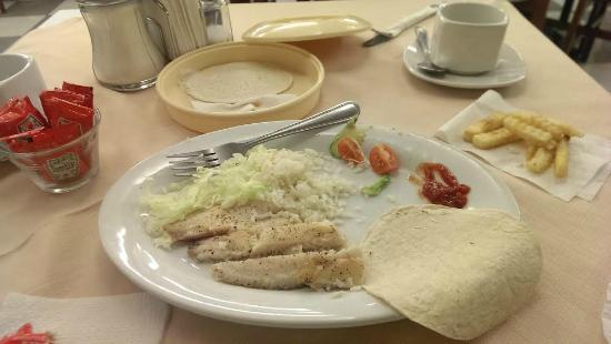 BEST WESTERN Hotel Plaza Matamoros: Fish platter is real good