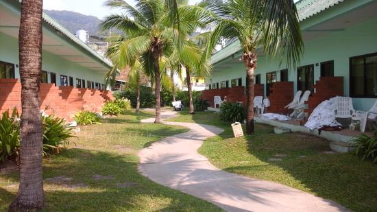 Baantonsai Garden Resort : территория отеля