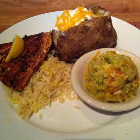 Cheddar S Scratch Kitchen Blackened Salmon Lunch