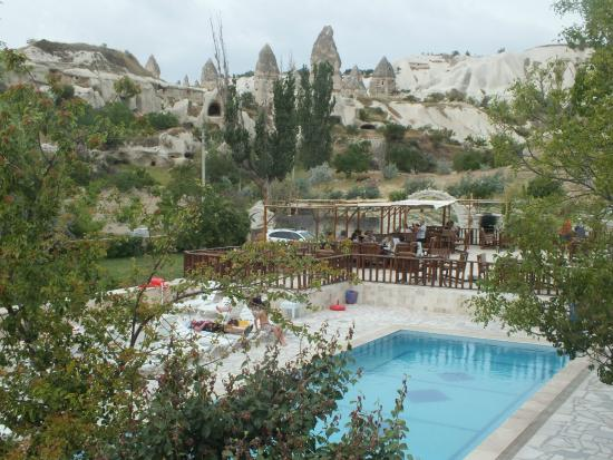 Holiday  Cave Hotel: swimming pool