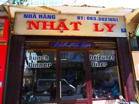 Nhat Ly: ป้ายชื่อร้าน